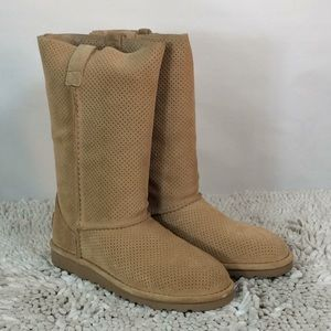 Ugg Classic Unlined Tall Perf Tan Leather Size 5